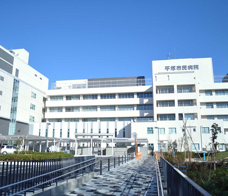 病院 コロナ 市立 感染 小田原 新型コロナウイルス「感染者がかかった37病院の実名リスト全公開」 発表する病院としない病院の正義